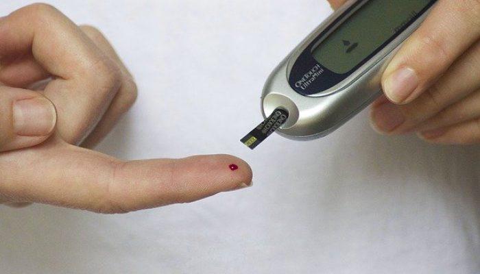 image doigt sang diabète
