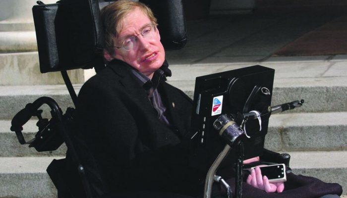Handicap Emploi Inclusion : Le physicien britannique Stephen Hawking prouve que tout est possible