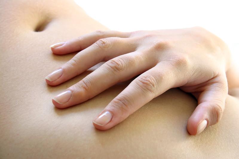 Avec une stomie, protéger sa peau est essentiel